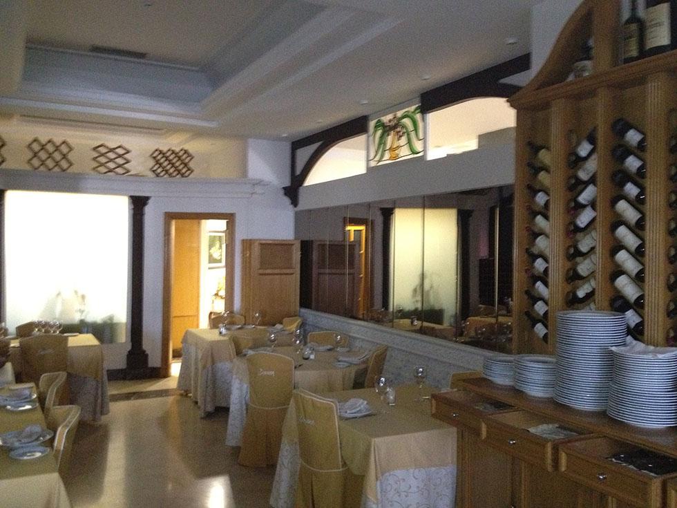 Restaurante la arqueria nuestros pintores en torrejon for Oficina de empleo torrejon de ardoz